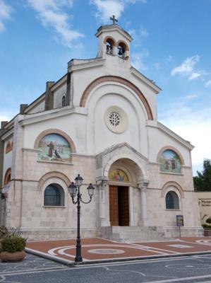 20111022003911-iglesia-sagrada-familia.jpg