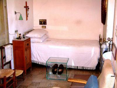20111022010034-5.-celda-5-del-convento-de-capuchinos.jpg