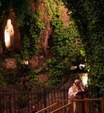 20111120002549-sacerdote-maria.jpg